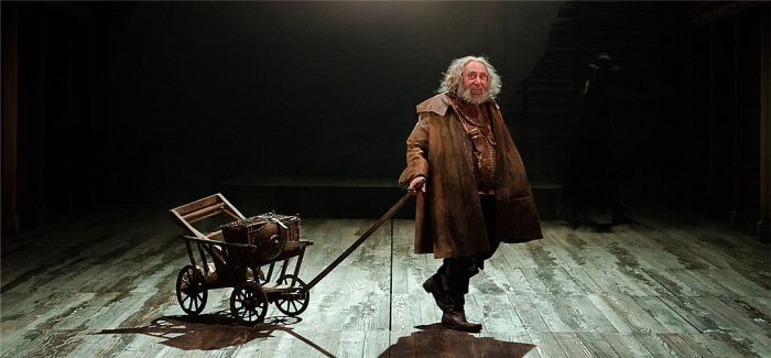 莎士比亚逝世400周年 大剧院上演巅峰巨制《王与国》