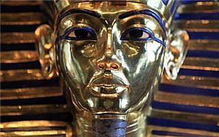埃及博物馆误修法老图坦卡蒙面具工作人员将受审