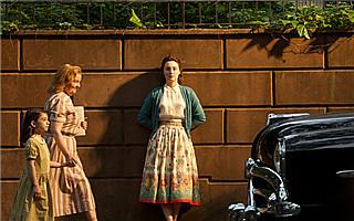《布鲁克林》:老奶奶的玫瑰色回忆录