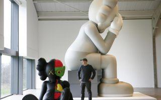 艺术家卡伍斯的巨型卡通雕像将入驻约克郡雕塑公园