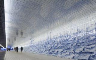 阿姆斯特丹火车隧道建起壮美艺术长廊 比广告位更引人注目
