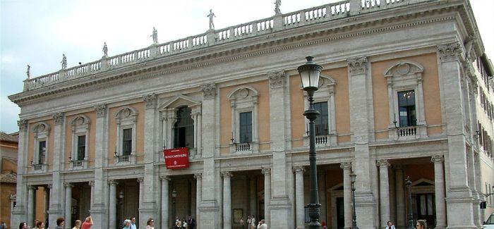 意大利为雕塑蒙上遮羞布 艺术是否应为经济利益让步