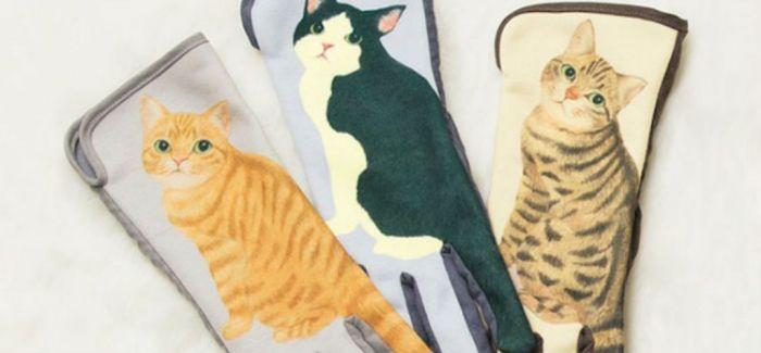 你一用手机猫咪就摇尾巴?可直接触控手机的猫咪手套