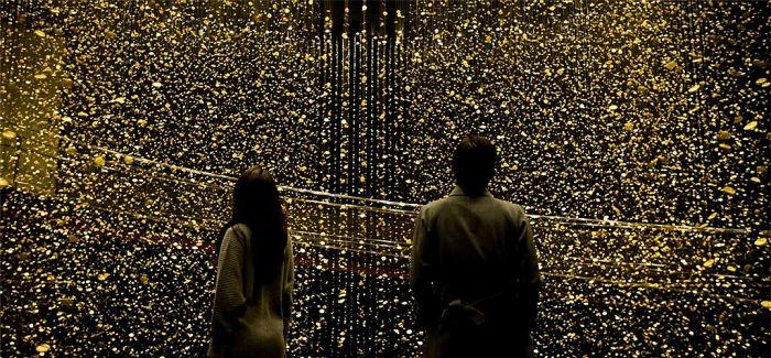 """千万金色圆盘构成的""""时间之光"""""""
