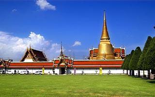 泰国地狱寺庙雕像警醒世人约束言行