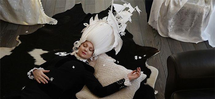"""""""叹为观纸"""":俄罗斯艺术家Kozina纸制时尚服饰"""