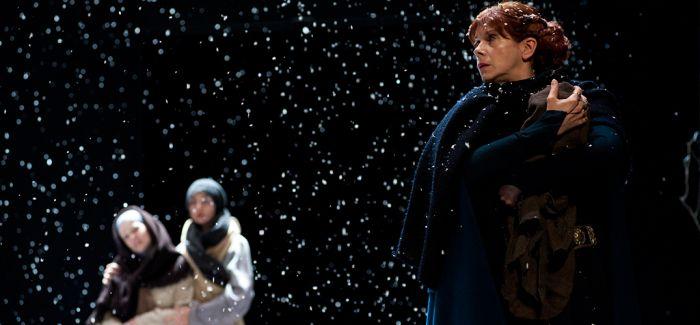 """皇家莎士比亚剧团 10小时演绎""""王与国""""三部曲"""
