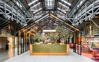 悉尼市郊一座码头建筑改造而成的酒店