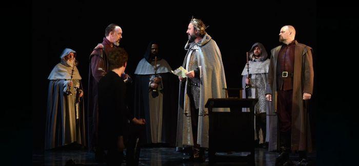 莎士比亚剧团《亨利四世》首演 48吨行头巡演不打折