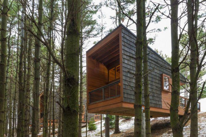 在冬日的森林里 住一晚温暖的山间木屋