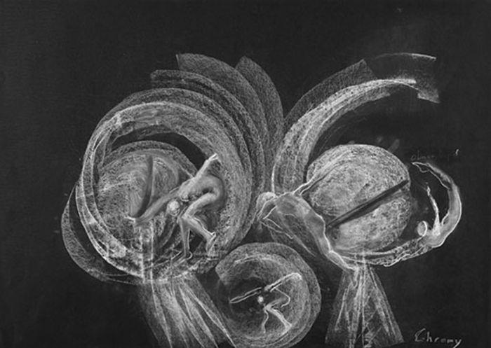 美好新世界 创作年代:2008 类型:素描 材料:粉笔黑纸 尺寸:50h×70cm