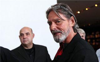 乌雷近40年后将独自重现与阿布拉莫维奇的行为表演
