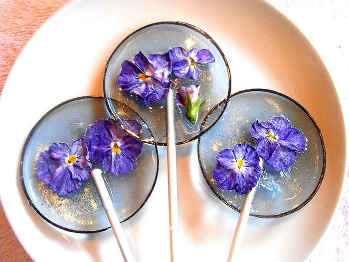 Flower Lollipops:把花瓣藏進棒棒糖裡,賞心悅目的花朵甜點 1