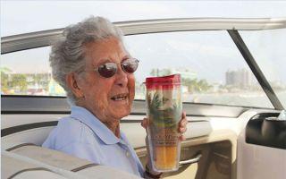 90岁的癌症奶奶放弃化疗 至今仍然在路上