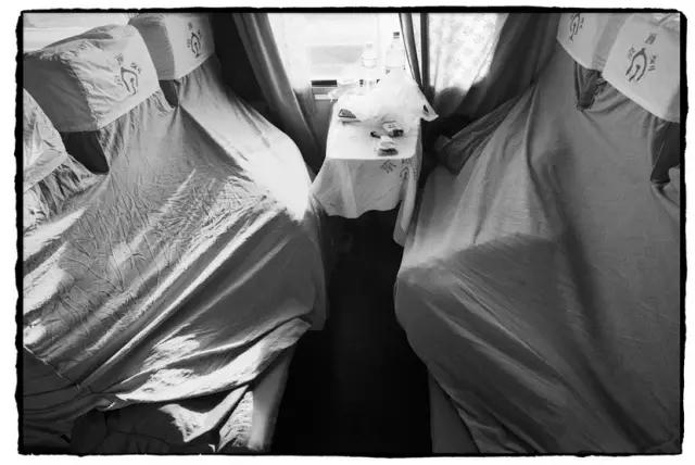 从北京开往呼和浩特的列车上
