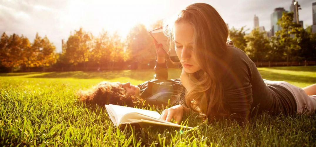 找一个爱读书的人  就这样过一辈子