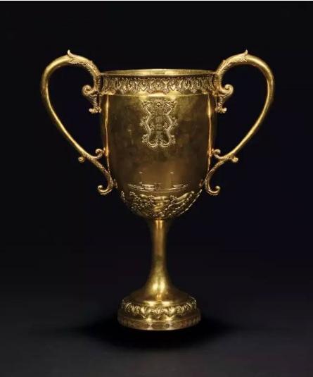 大清光绪  北洋海军成军纪念金杯  纪念杯高 42.3 cm 总重 2703 g