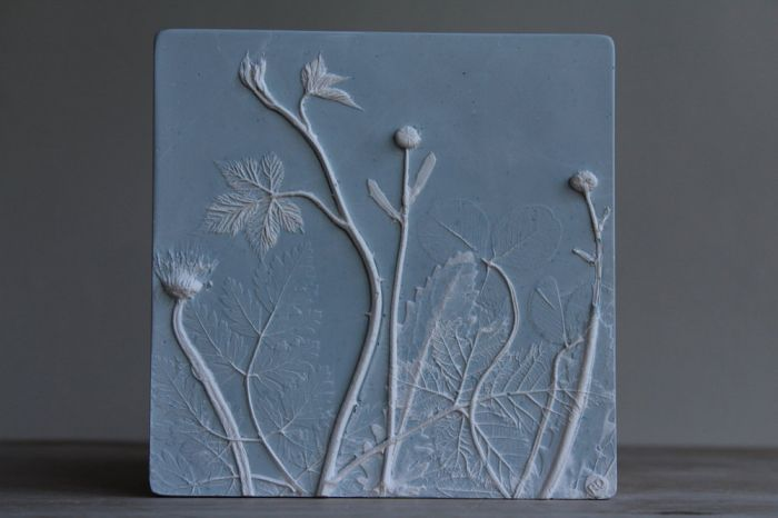 Daisy, Dandelion and Bramble in Blue Wedgwood