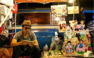 BankokTrain Night Market:在荒废铁路上逛旧物市集