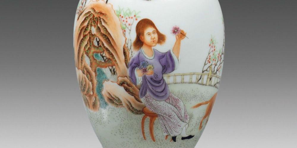 古装美人手绘瓷器