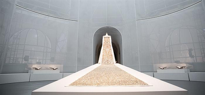大都会艺术博物馆服装学院展出十大经典服装作品