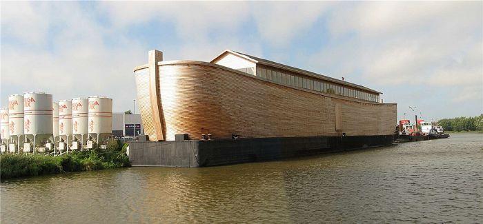 他花17年造了一艘诺亚方舟并启航了!
