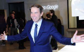 波普艺术家杰夫·昆斯进军科技领域 牵手谷歌设计手机壳