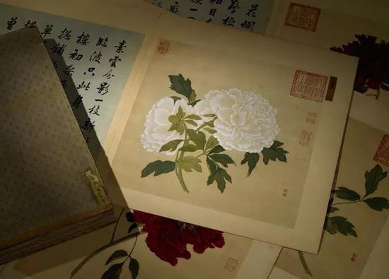 LOT1559 蒋廷锡 百种牡丹谱 成交价:1.7365亿元