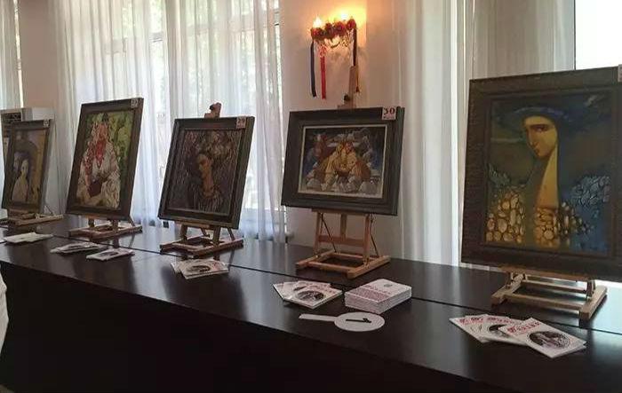 乌克兰女画家作品在京举行慈善拍卖