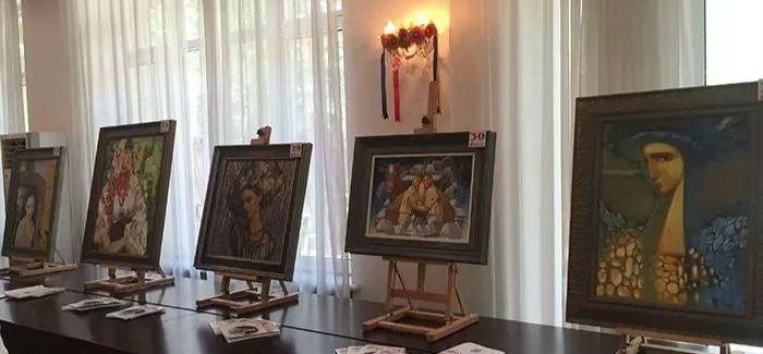 凤凰艺术 | 乌克兰女画家作品在京举行慈善拍卖