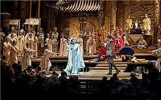 指挥家董俊杰指挥乌克兰版经典歌剧《图兰朵》