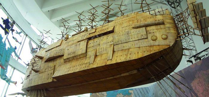 吉卜力航行中!《天空之城》巨大飞船飘浮在东京