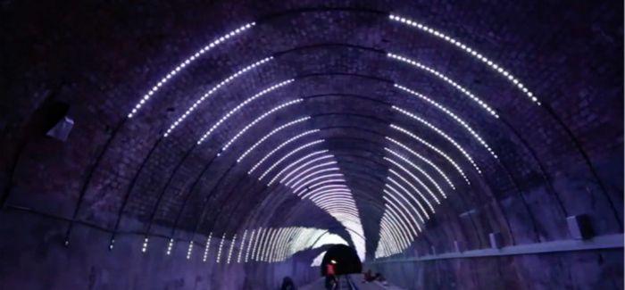 坐电车送一场隧道灯光秀    这张车票有点值