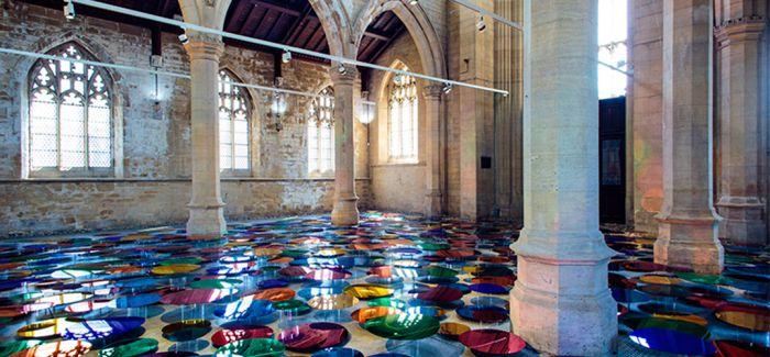 色彩的反射  圣约翰教堂大型色彩感知装置