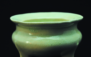 鬲式香炉始终是宋瓷中引人注目的经典款式