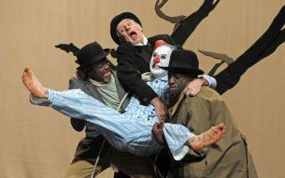 戏剧  是演员和观众一起攒的局