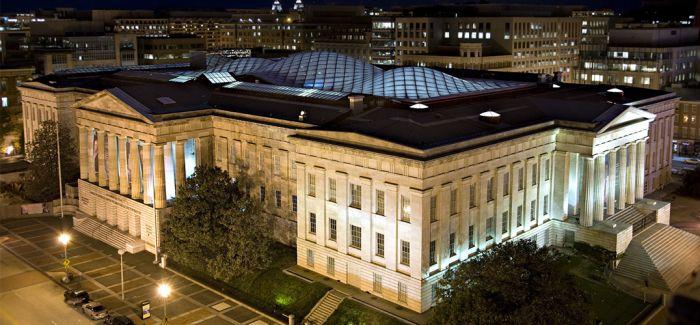 乔丹向美史密森学会非裔美国人历史和文化博物馆捐款