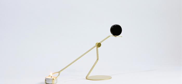 上升的动态平衡烛台 Rising Balance Candleholder