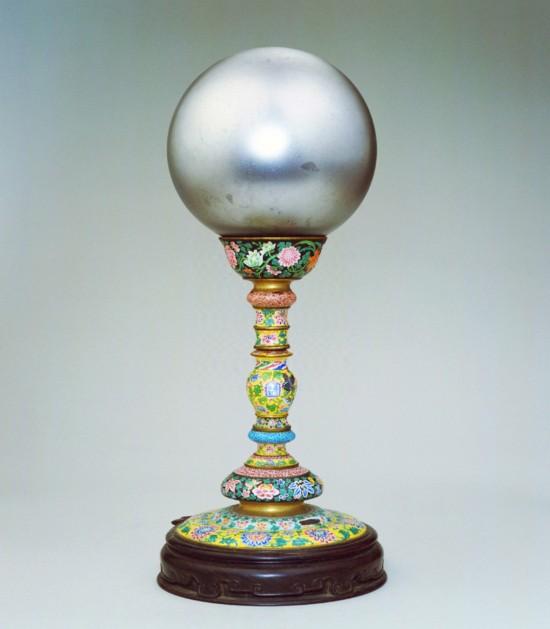清雍正《铜胎画珐琅玻璃天球冠架》原图