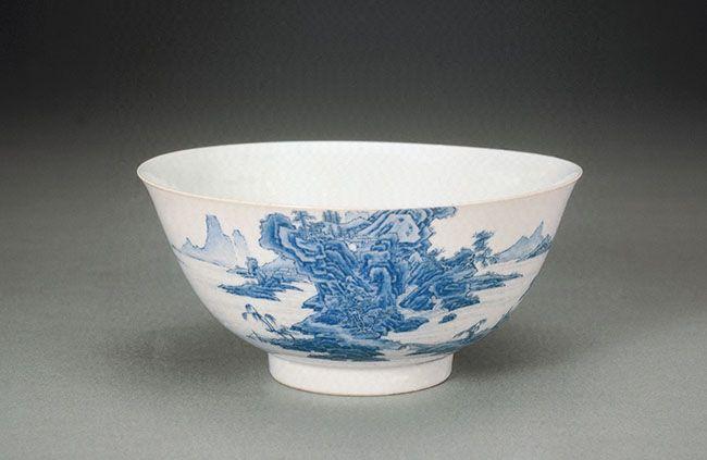 清雍正《瓷胎画珐琅蓝料山水碗》原图