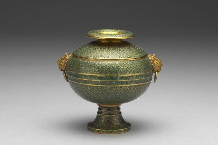 清雍正《铜胎画珐琅缠枝莲纹六孔瓶》原图