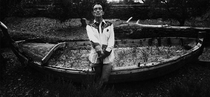 法国著名摄影师马克·吕布去世