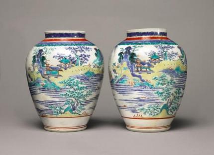 一对日本十七世纪末柿右卫门山水图罐