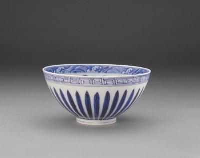清朝 青花菊瓣纹碗 北京故宫博物院藏