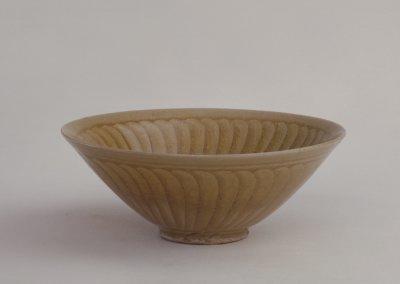宋代 耀州窑青釉刻花菊瓣纹碗 北京故宫博物馆藏