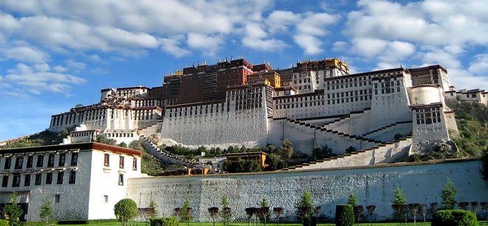 布达拉宫百余件精品文物正式向公众开放