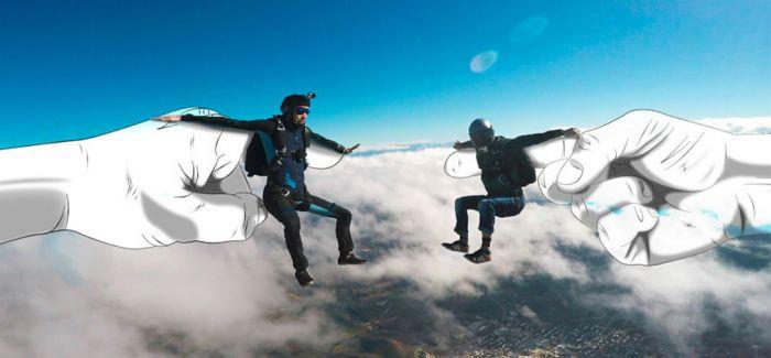 俏皮设计师爱极限 创意绘制空中精彩