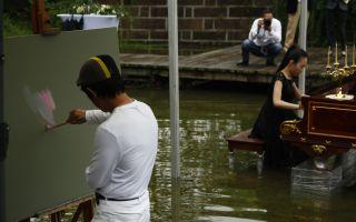 赵半狄开水中肖邦音乐会,艺术也可以这么玩?