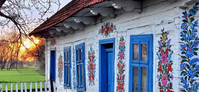 把鲜花画满墙   一不小心这个村庄就美成了童话