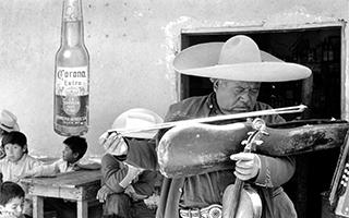 世界摄影经典   Bottle